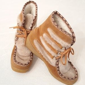 Yoddlers Mukluk Size 9 Snow boots